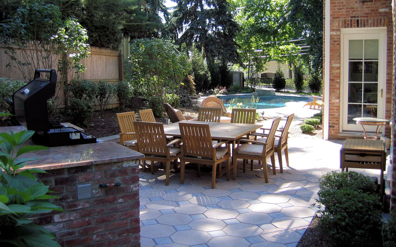 Pool Patio and Built-In Barbecue - NJ