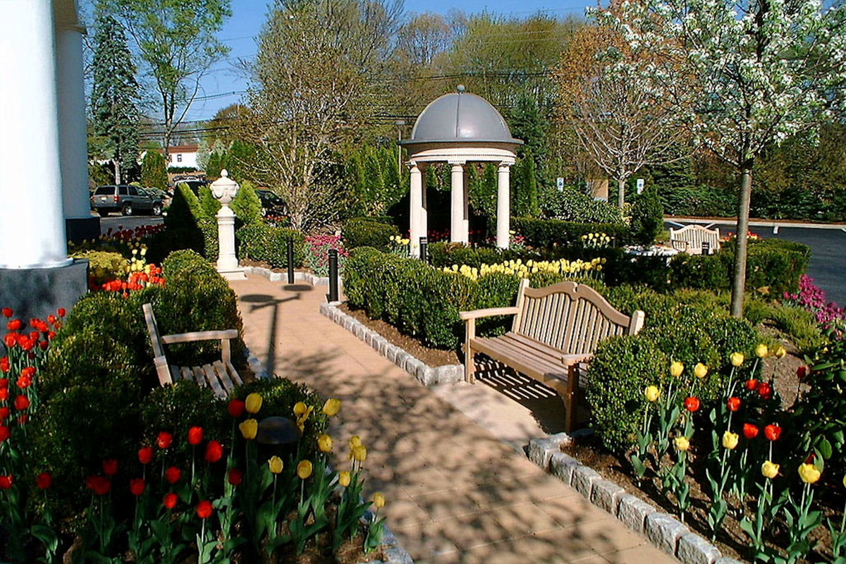 tulips used in bergen county commercial landscape design