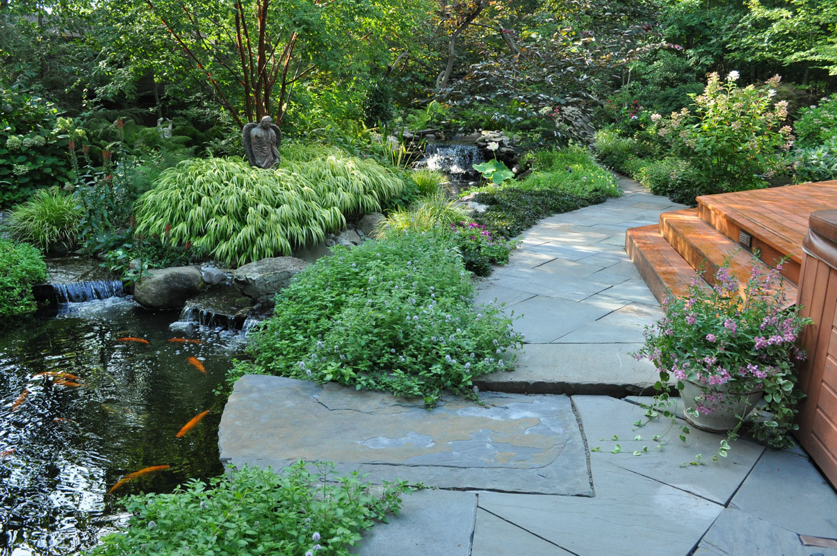 bluestone walkway and cantilevered feed rock