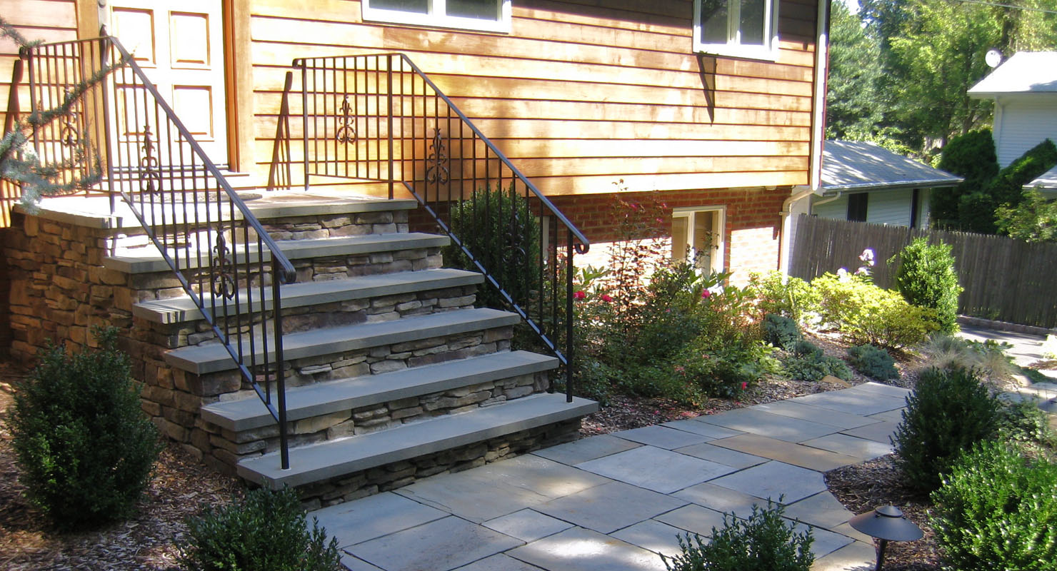 nj bluestone walkway and front steps with bluestone treads