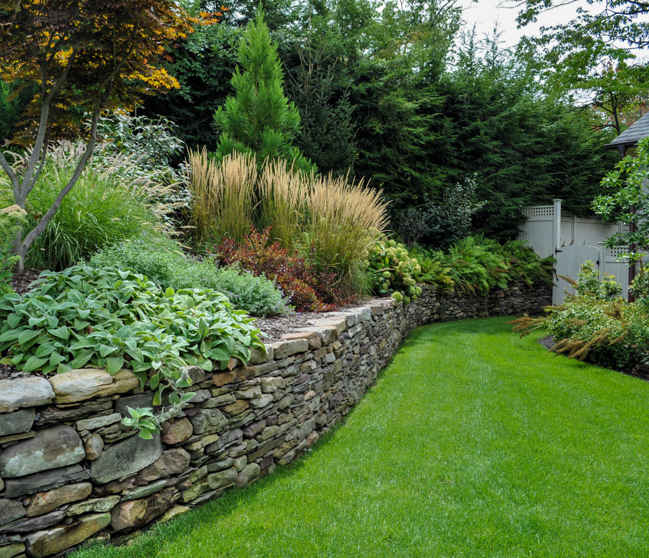 natural stone wall, pennsylvania fieldstone, retaining wall