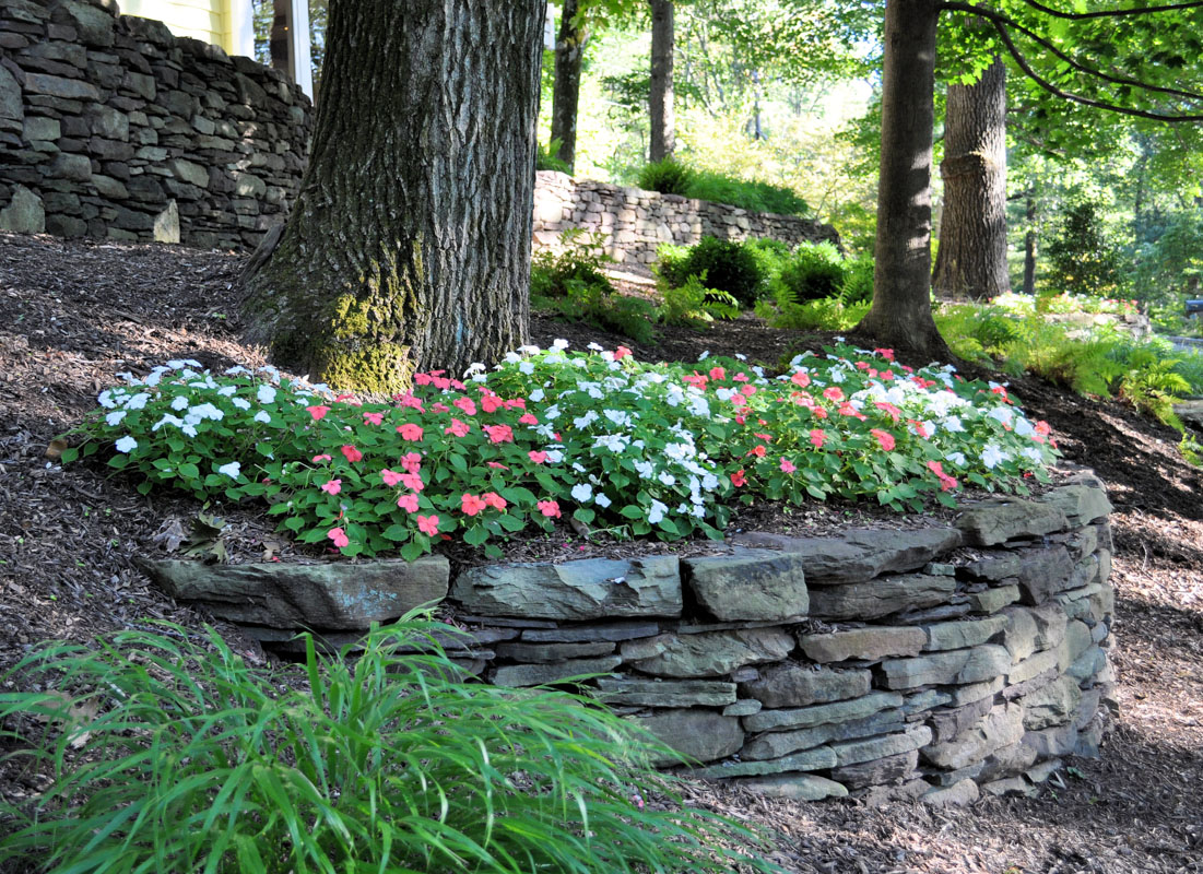 how to build a natural stone retaining wall