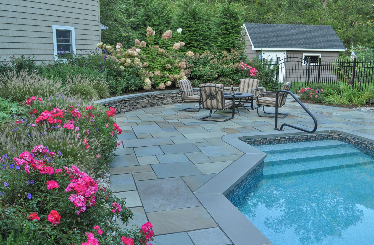natural fieldstone seat wall, bluestone cap, ringwood nj swimming pool