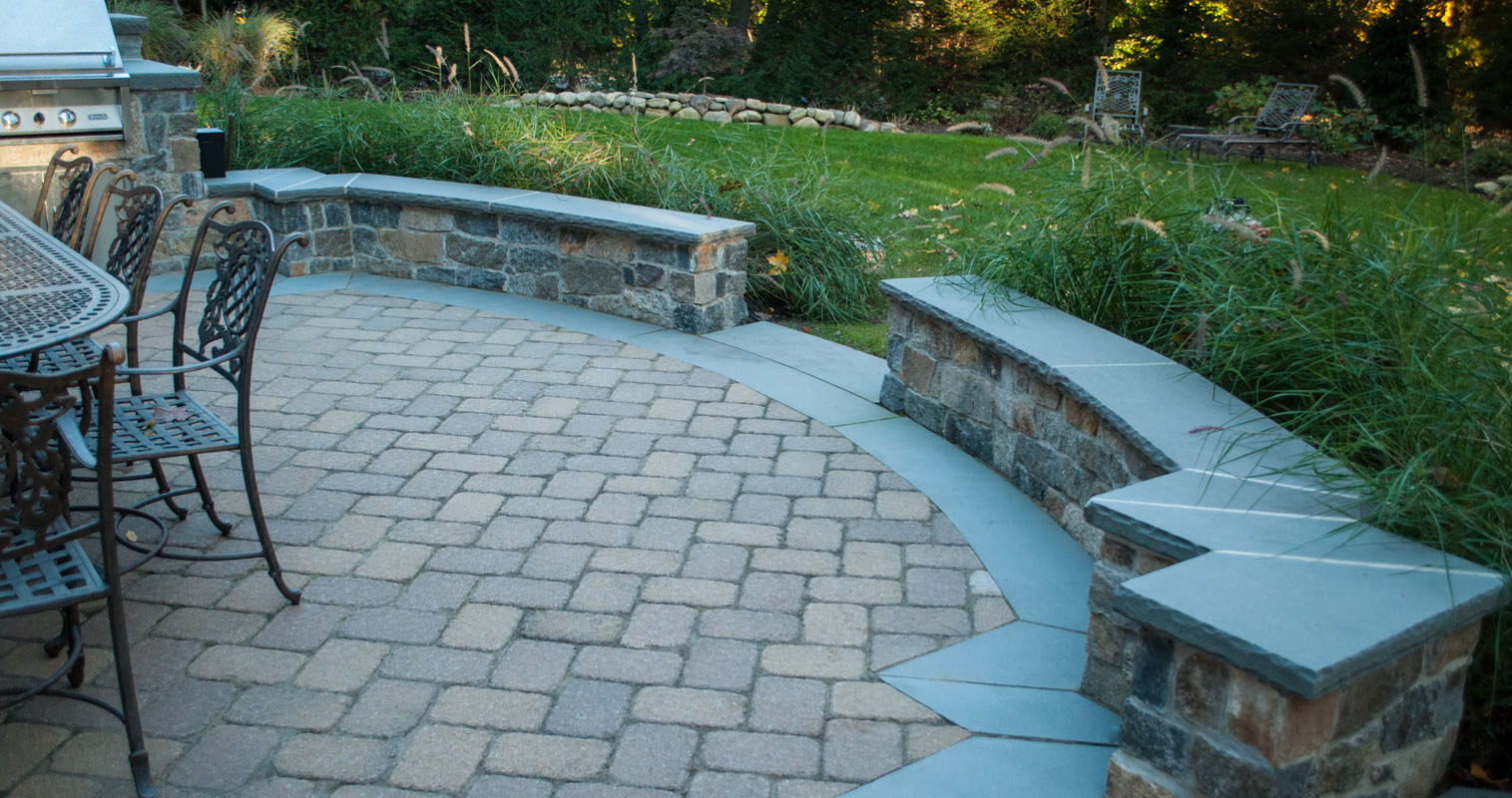 seat wall with granite veneer, patio design nj