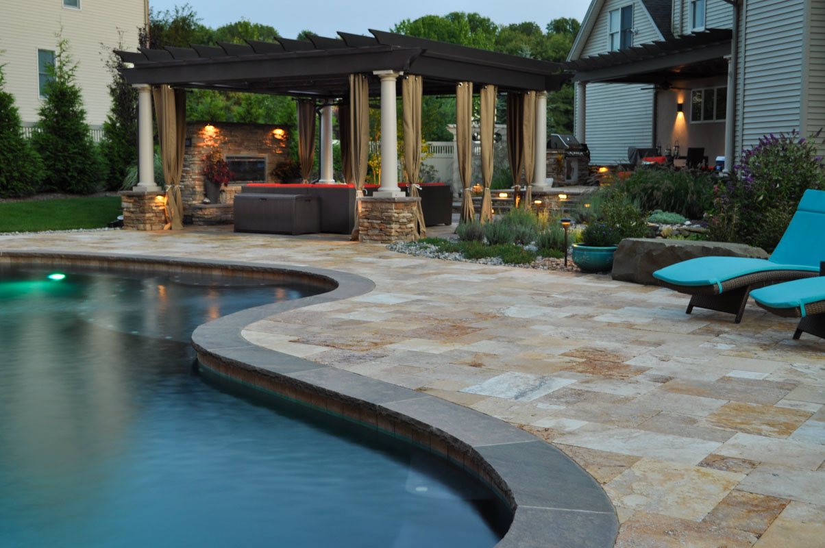 custom nj swimming pool with bluestone coping