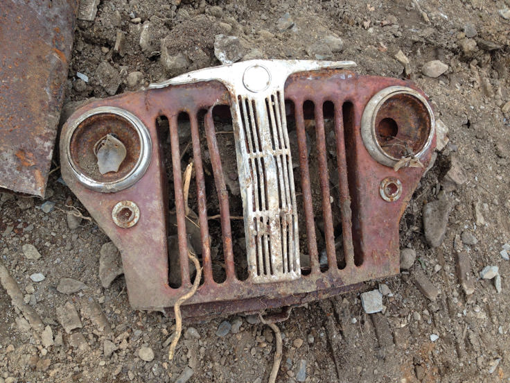 unburied jeep willys grill, before restoration