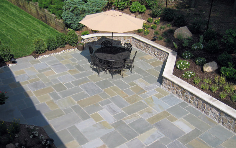 short hills nj landscape design with patio and seat wall