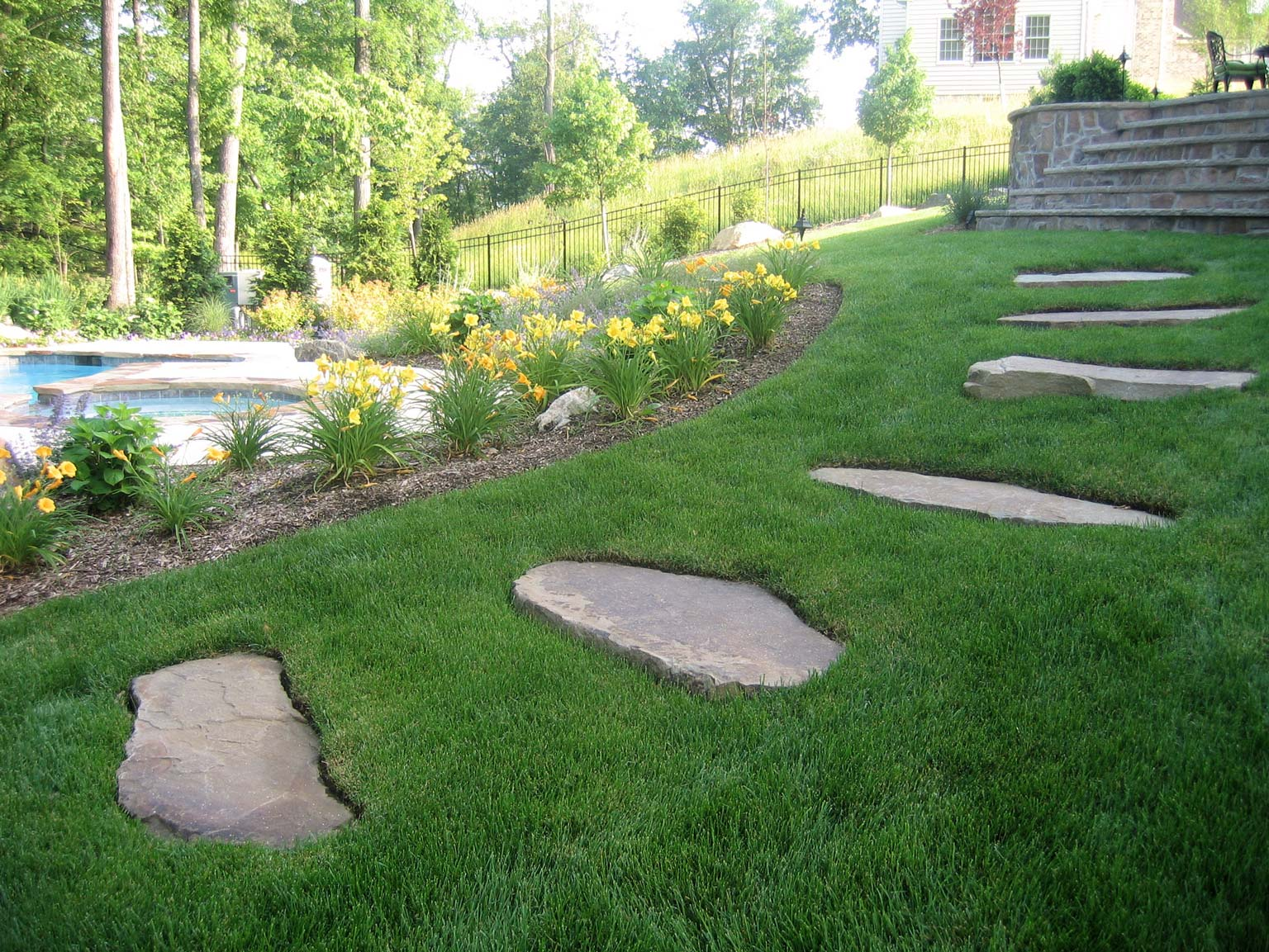 Before after landscaping photos clc landscape design - Small backyard landscape designs ...